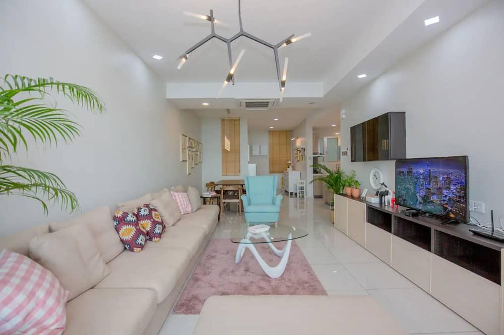 3 Bedroom Apartment - Luxury - Living Room