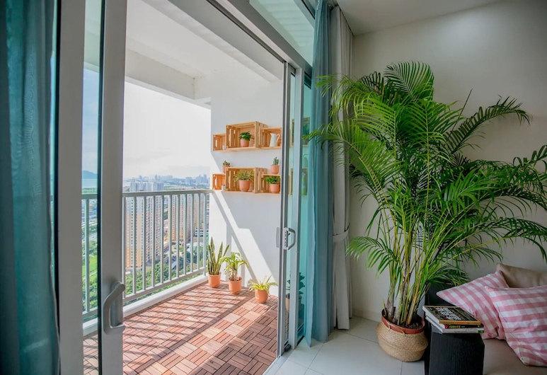 Gat Lebuh Sandilands by Sanguine, George Town, 3 Bedroom Apartment - Luxury, Balcony