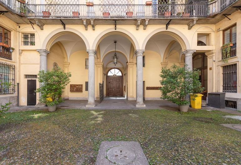 Piazza Savoia Stylish Flat, Turin