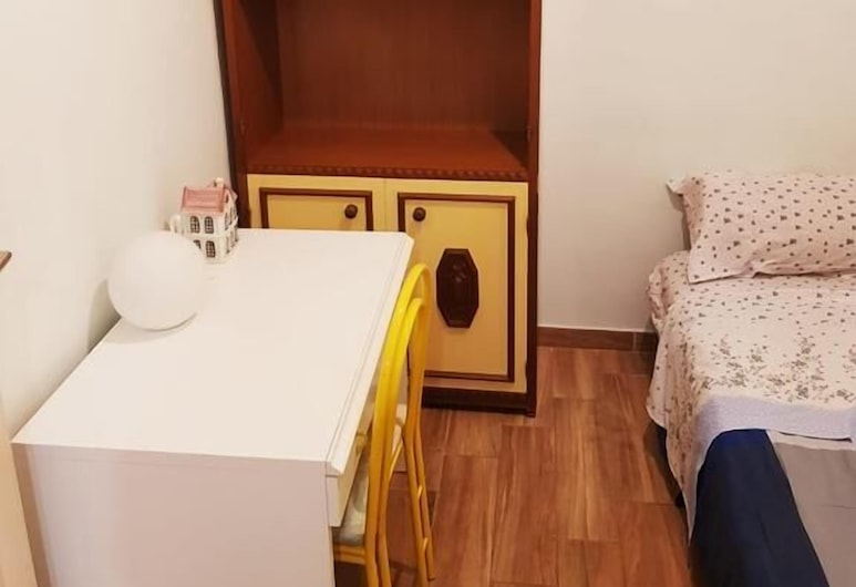 Cozy Rooms Rome, Rome, Economy Double Room, 1 Queen Bed (3), Guest Room