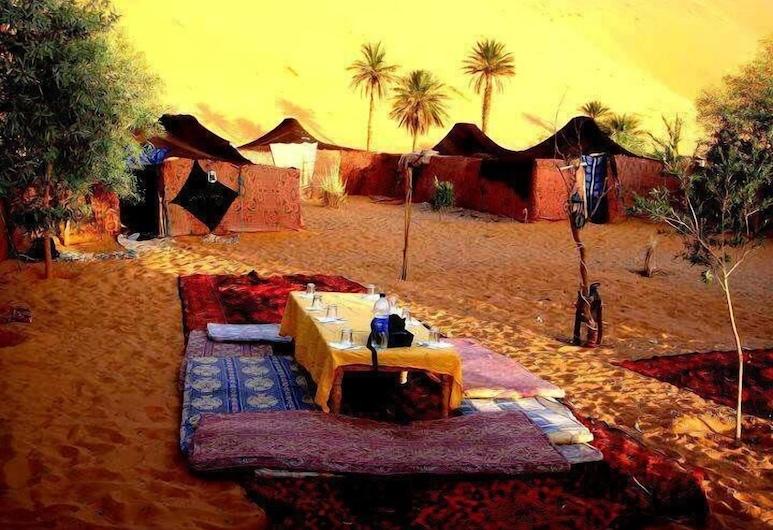 Desert Deep Camp, Taouz, Restaurante al aire libre