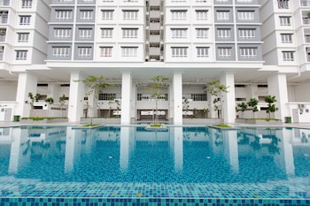 Picture of Rex Ollie The Edge Residence in Subang Jaya