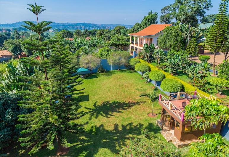 Shine Country Resort Hotel, Кампала, Сад