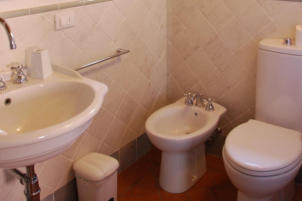 Panoramic Apartment, 2 Bedrooms (Fienile) - Bathroom