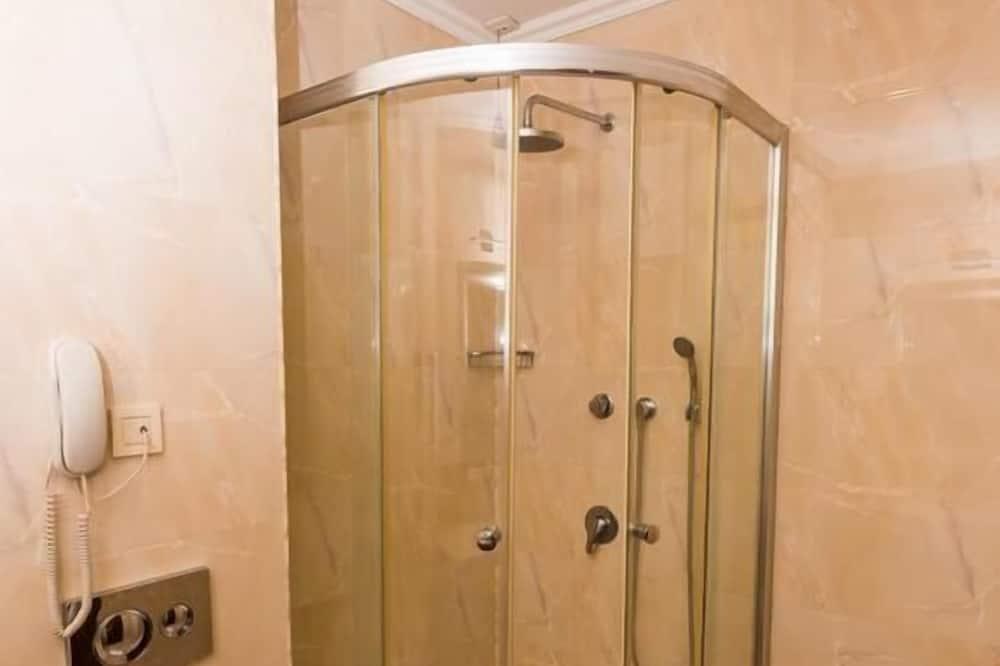 Suite (Quadruple) - Bathroom