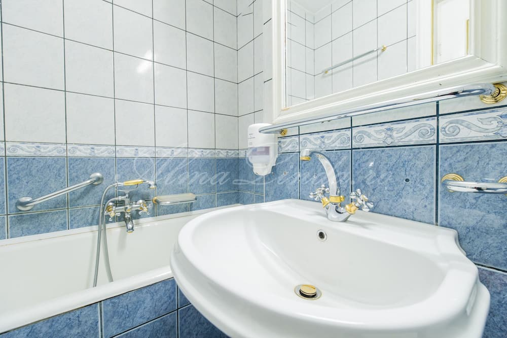 Classic Δίκλινο Δωμάτιο (Twin) - Μπάνιο