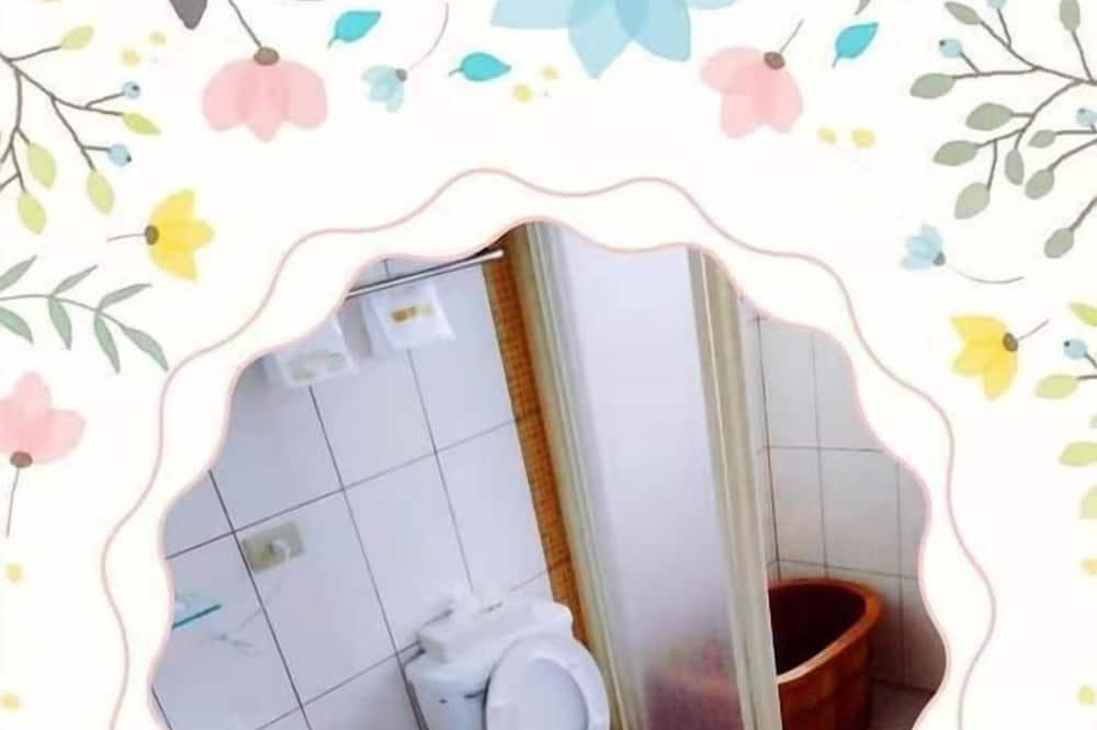 חדר אקונומי לארבעה - חדר רחצה