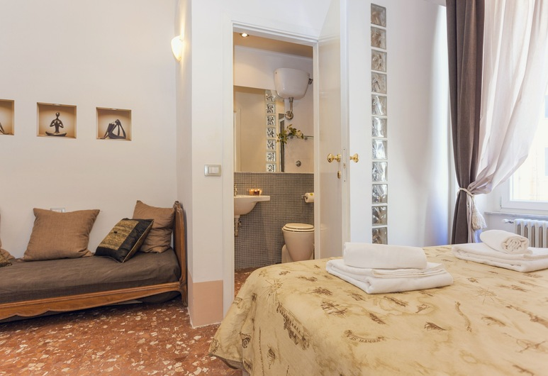 Atmosfere Visconti Suite Apartments , Rome, City Apartment, 3 Bedrooms, Room