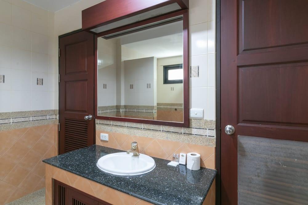 Biệt thự, 2 phòng ngủ, Hồ bơi riêng - Phòng tắm