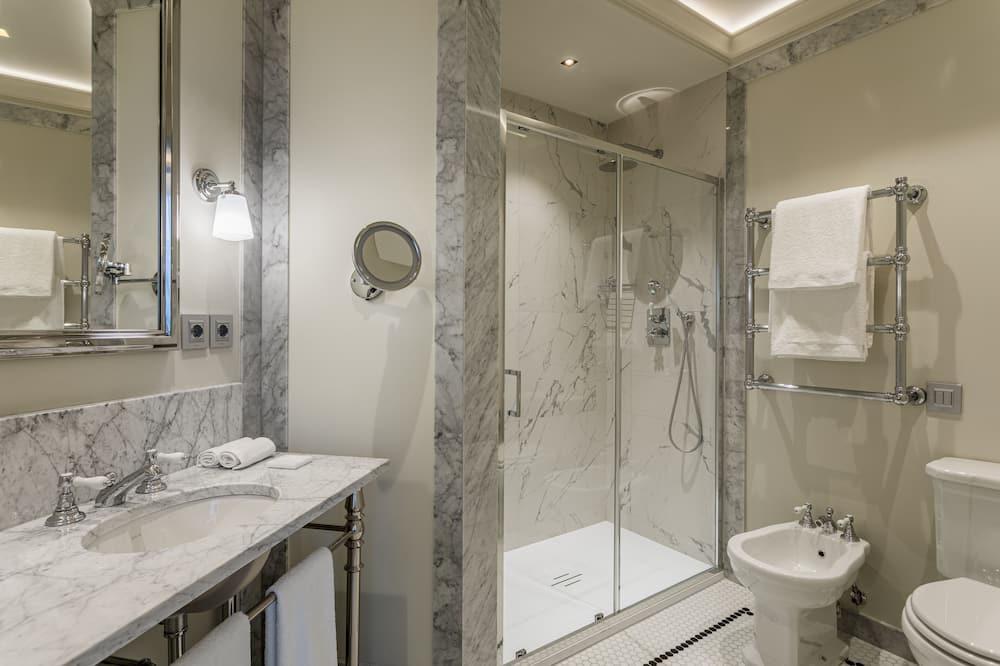 Habitación Deluxe - Ducha en el baño