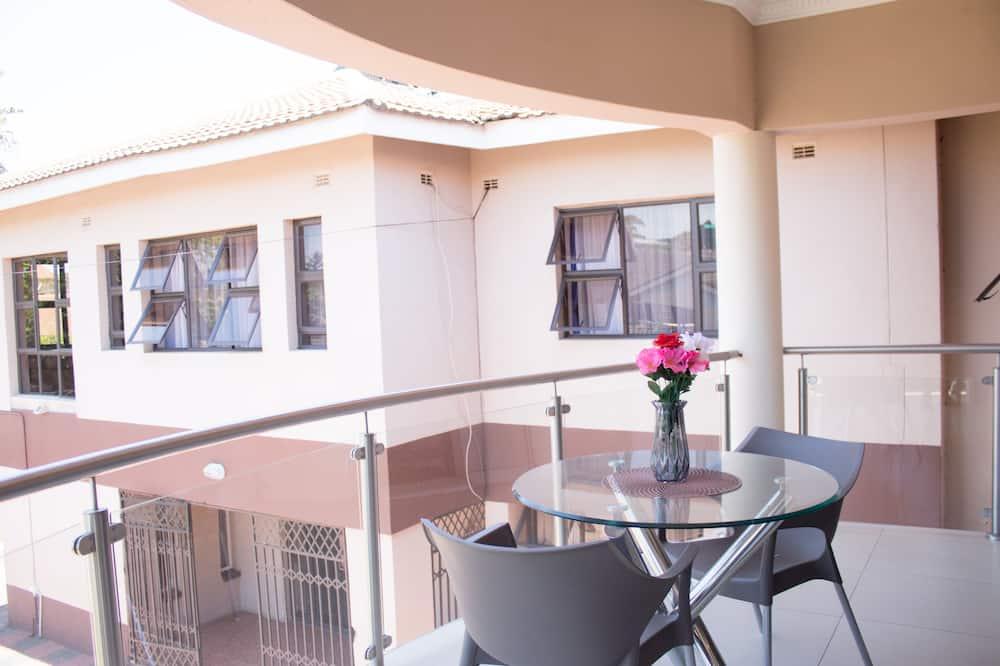 Nicole Apartment - Balcony