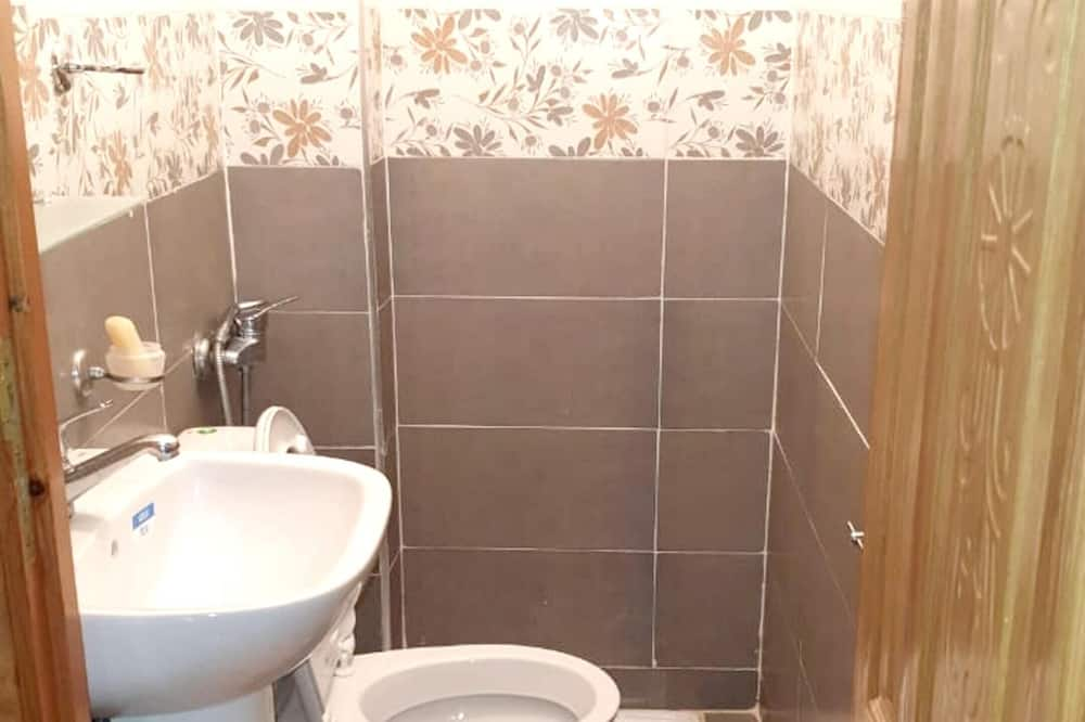 Apartemen, pemandangan kota - Kamar mandi