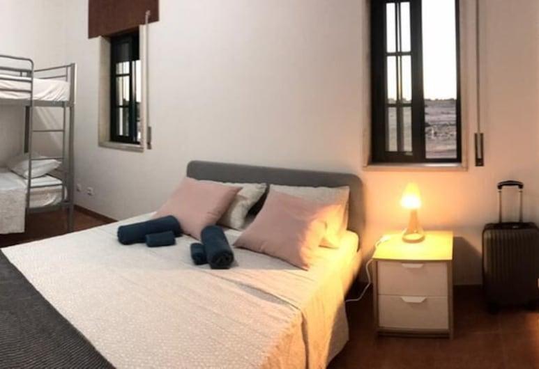 Casa Mineira Guest house, Albufeira, Habitación cuádruple, baño compartido, Habitación