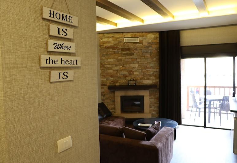 Planet Suites, Mzaar Kfardebian, Rodinný apartmán, Obývacie priestory