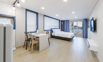 Picture of Yeosuya Hostel & Pension in Yeosu