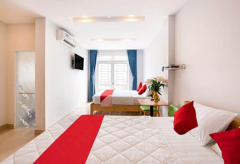 OYO 471 White 1 Hotel, Ho Chi Minh City, Pokój dla 4 osób Superior, Pokój