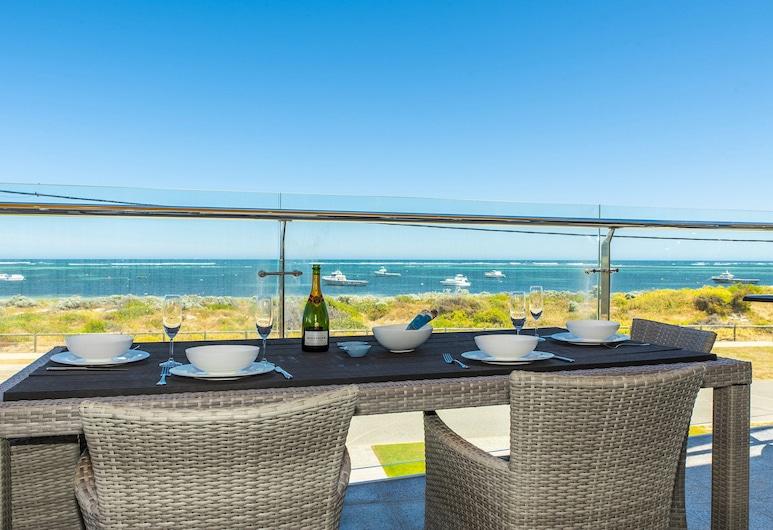 Ocean Sunset - Luxury Apartment With Ocean Views, Lancelin, Balkon