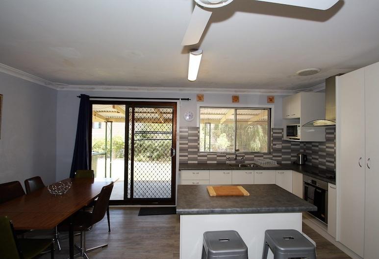 Brooklands - Budget Beach Shack Style Accomodation, Guilderton, Cucina privata