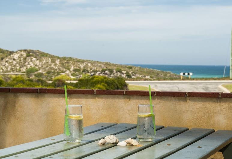 Zahly Beach House - Ocean Views, Гилдертон