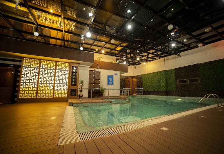 Hotel JSR Continental, Dehradun, Indoor Pool