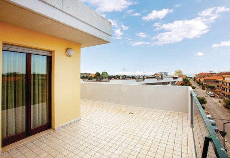Residenza Girasole, Martinsicuro, Standard Apartment, 2 Bedrooms, Terrace, Terrace/Patio