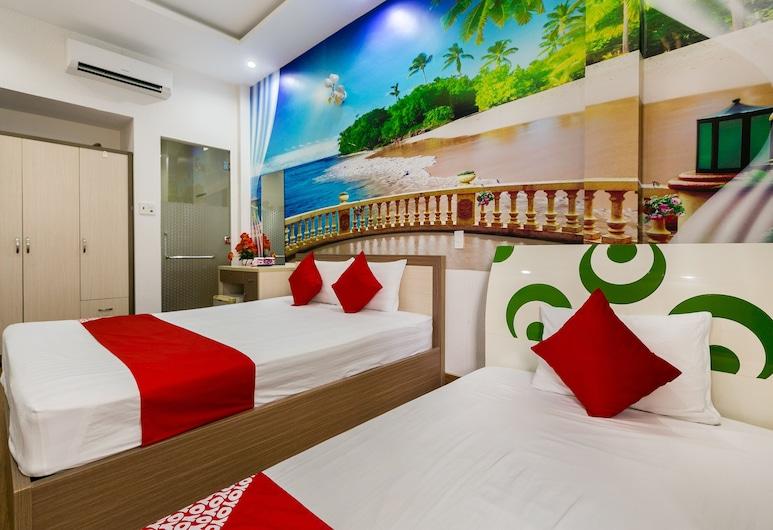 OYO 425 Seven Stars Hotel, Ho Chi Minh City, Superior Triple Room, Guest Room