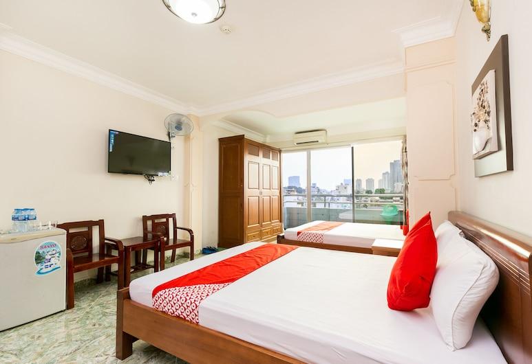 OYO 441 Mai Son Tai Hotel, Ho Chi Minh City, Deluxe Quadruple Room, Guest Room View
