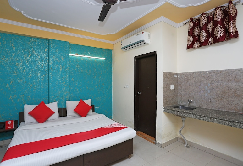 OYO 35827 Hotel Pilot Inn, New Delhi, Double Room, Guest Room