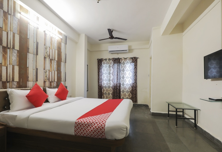 OYO 41740 Karnawat Guest House, Indore