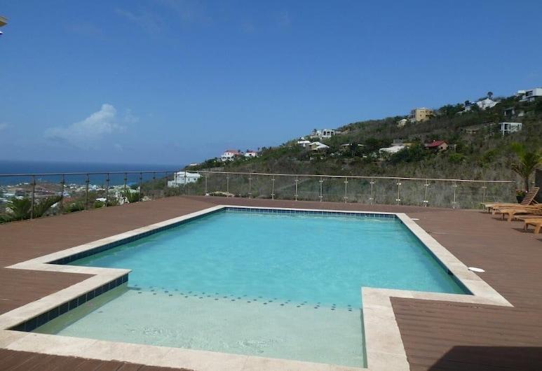 Singh Luxury Apartments With sea View, Apt.2, Oyster Pond, Svømmebasseng