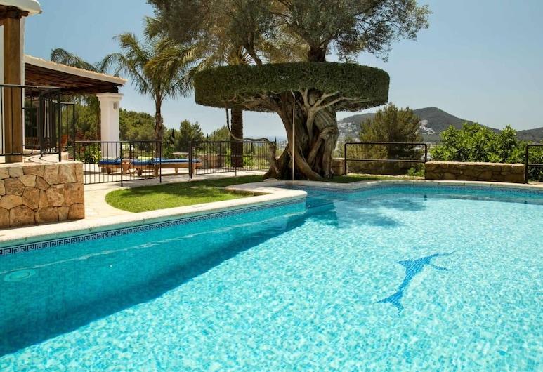 自然山丘上的马德鲁斯别墅酒店, 滨河圣欧拉利娅, 游泳池