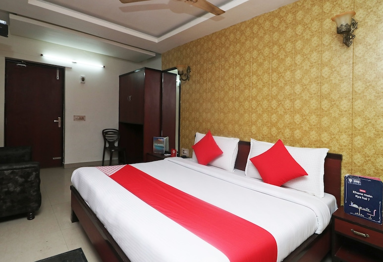 OYO 28053 Hotel Gayatri Palace, Agra