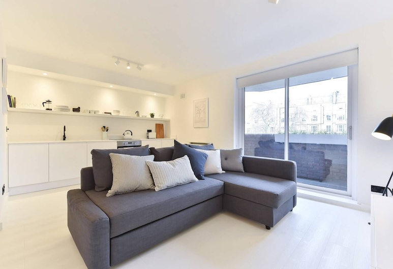Bright & Cosy Modern Studio in Kensington, Lontoo, Huoneisto (0 Bedroom), Olohuone