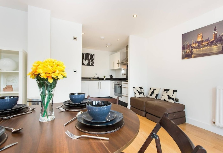 Newly apt for 6 in Greenwich/by Westcombe Park st, Londýn