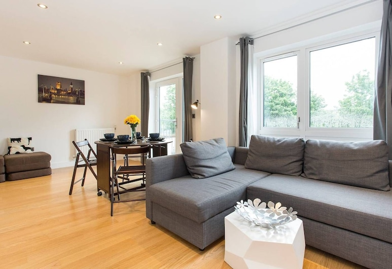 Newly apt for 6 in Greenwich/by Westcombe Park st, London, Apartment (1 Bedroom), Wohnzimmer