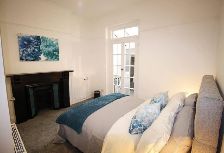 Luxury 4-bed Victorian House in Cardiff, Cardiff, Ferienhaus, Zimmer