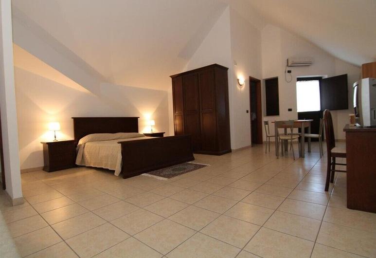 Hotel Ristorante La Rupe, Pescina, Štvorlôžková izba, Hosťovská izba