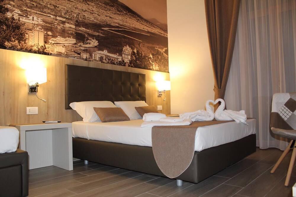 Luxury Triple Room (Vesuvio) - Guest Room