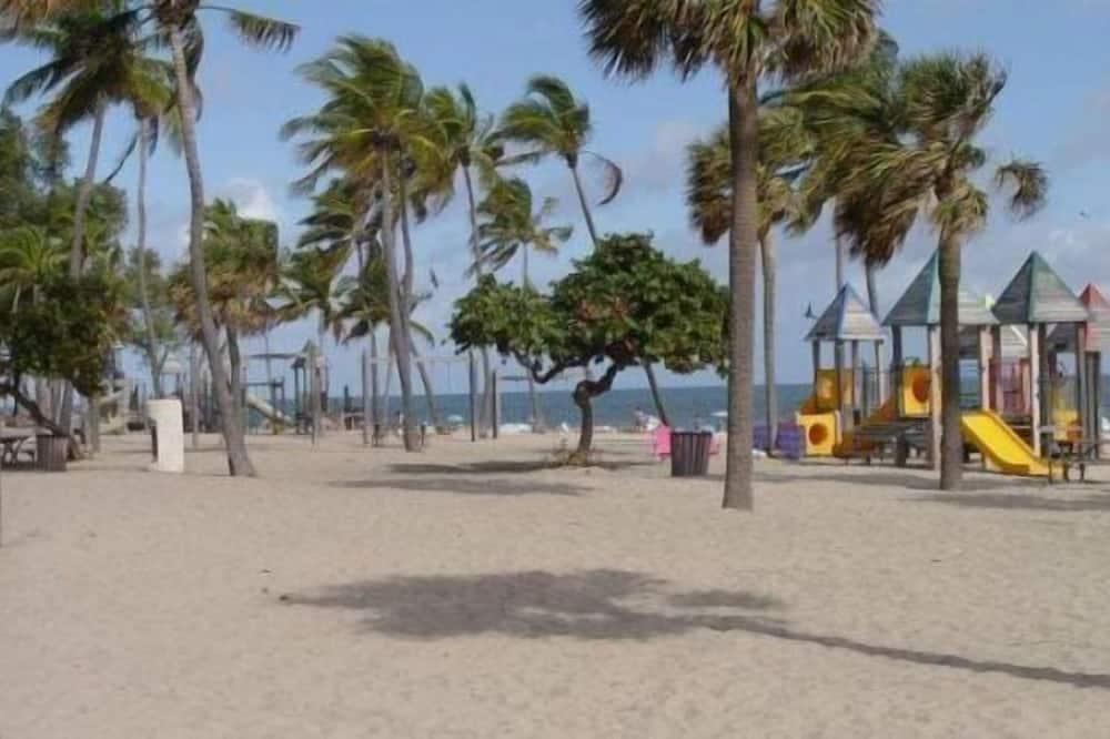 House (Luxury Townhome - Sanitized thoroughl) - Beach