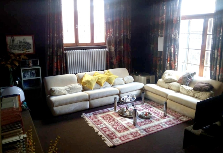 Apartment With 2 Bedrooms in Cascina, With Enclosed Garden and Wifi - 29 km From the Beach, Cascina, Obývací pokoj