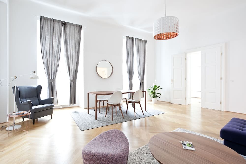 Superior Apartment (10, incl. cleaning fee 55 EUR) - Living Room