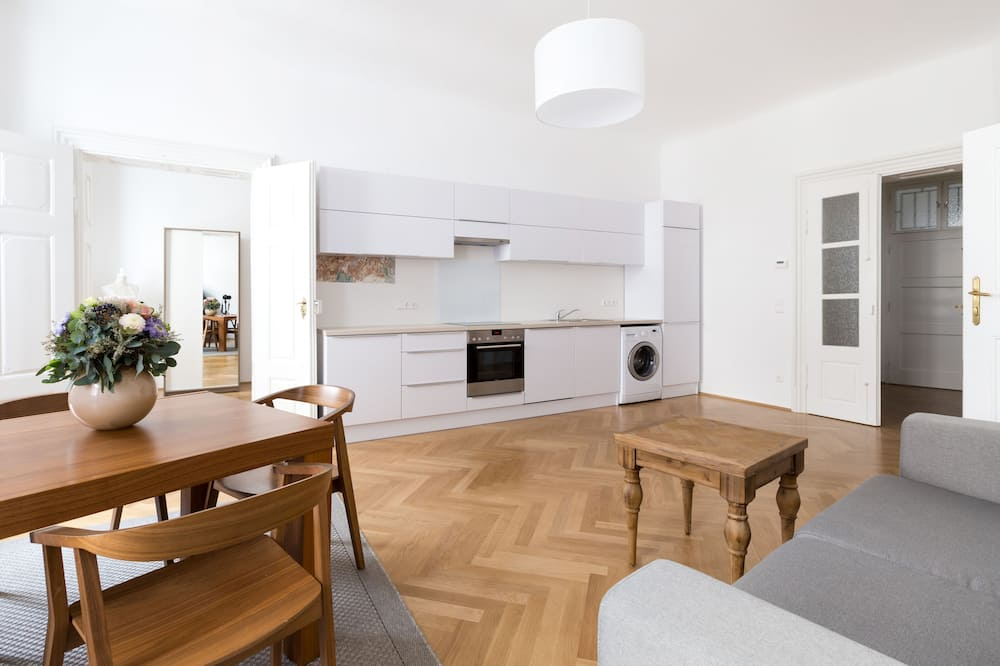 Deluxe Apartment, 2 Bedrooms (16, incl. cleaning fee 55 EUR) - Living Room