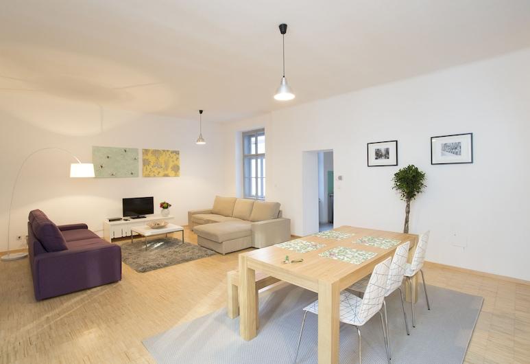 HeyMi Apartments Schwedenplatz, Vienna, Apartment, 1 Bedroom (incl. cleaning fee 45 EUR), Living Room