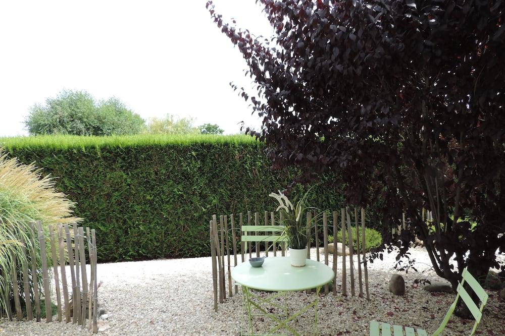 Dvoulůžkový pokoj (2 - Cap Ferret) - Výhled do zahrady