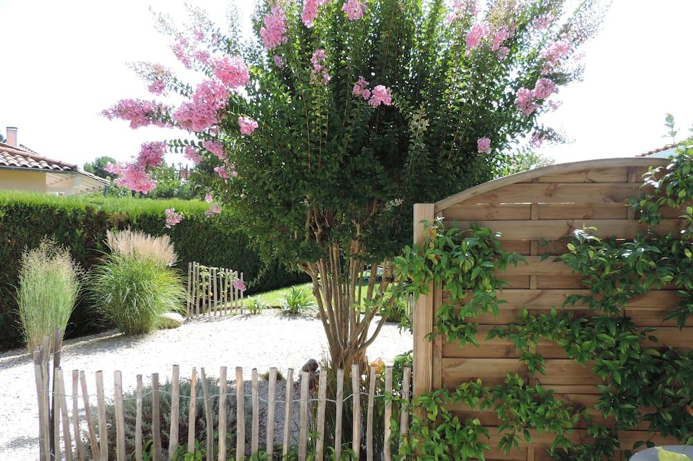 Dvoulůžkový pokoj (1 - Grand Piquey) - Výhled do zahrady