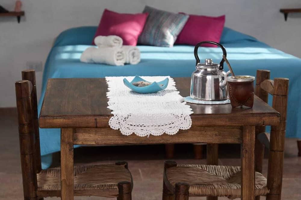 Basic-hytte - Spisning på værelset