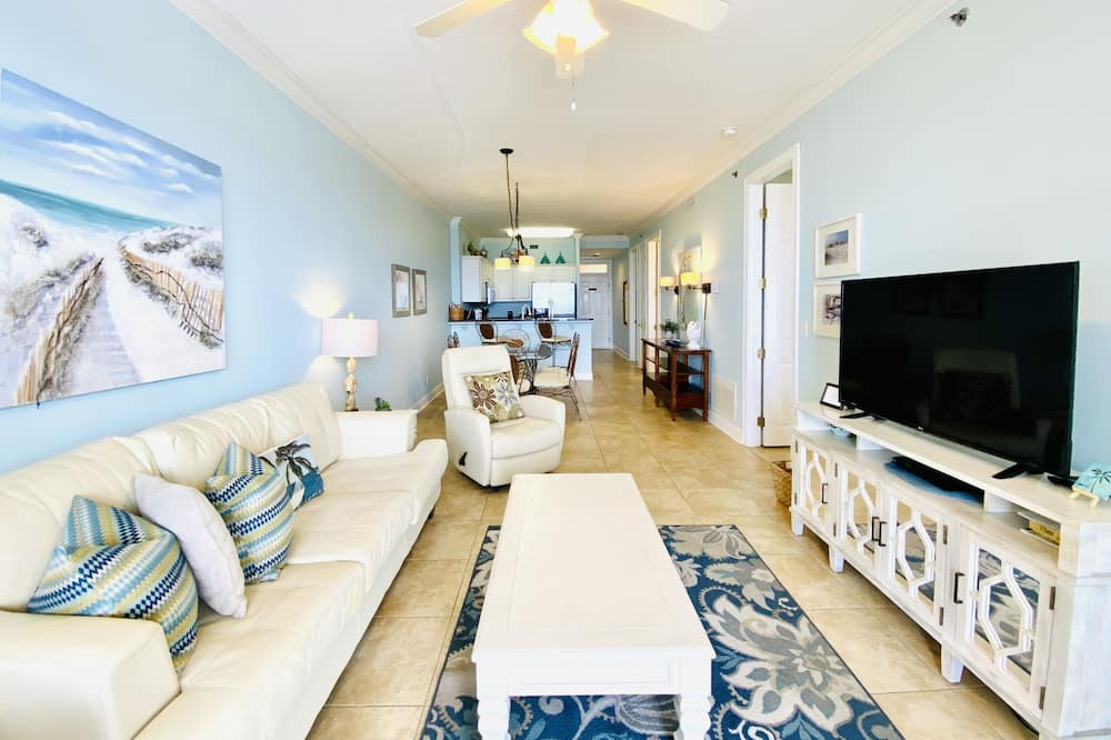 Condo, 2 Bedrooms, Balcony, Beachfront (P403) - Ruang Tamu