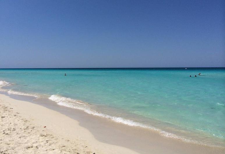 Casa Don Pepe 7 Rooms- 20 Meters To Varadero Beach, Varadero, חוף ים