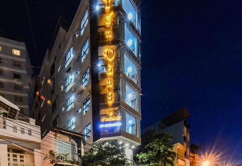 Yen Vang Hotel & Apartment, Nha Trang, Hotellin julkisivu illalla/yöllä