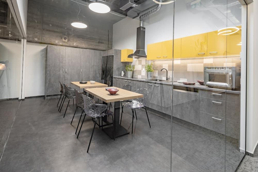 City Tent - Shared kitchen